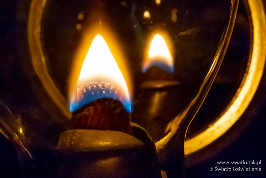 Płomień lampy naftowej