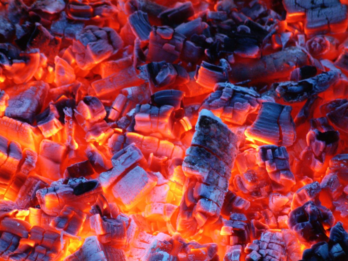 Żar - spalanie bezpłomieniowe - węgiel drzewny